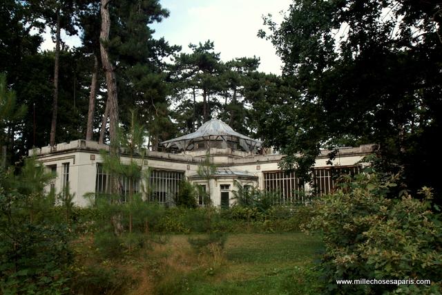 047 explorer les vestiges du jardin tropical de. Black Bedroom Furniture Sets. Home Design Ideas